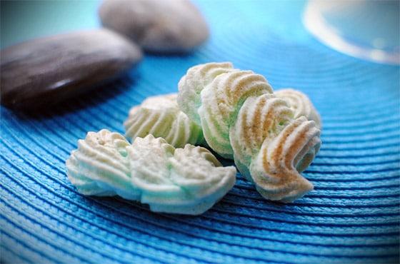 Recette de petites meringues ou que faire avec ses blancs - Que cuisiner avec des blancs d oeufs ...