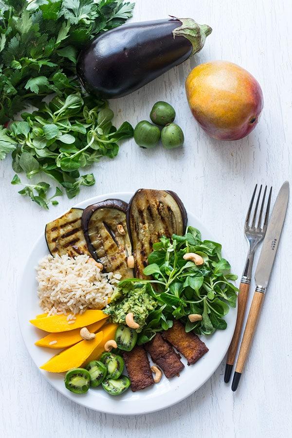 Assiette complète Popeye et Nergi (vegan)
