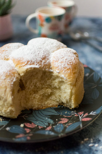 Recette de Brioche butchy, à la crème fraîche, recette facile de brioche moelleuse sans beurre