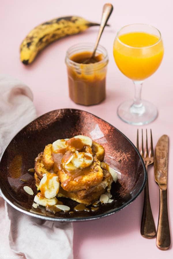 Recette de Brioche perdue bananes et caramel, recette facile avec du caramel beurre salé.