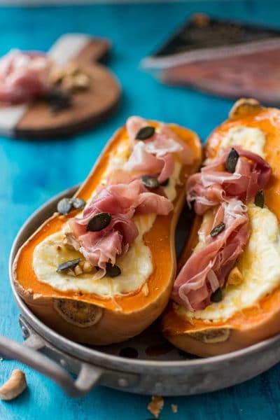 Recette de Butternut rôtie au fromage de chèvre et jambon de Parme