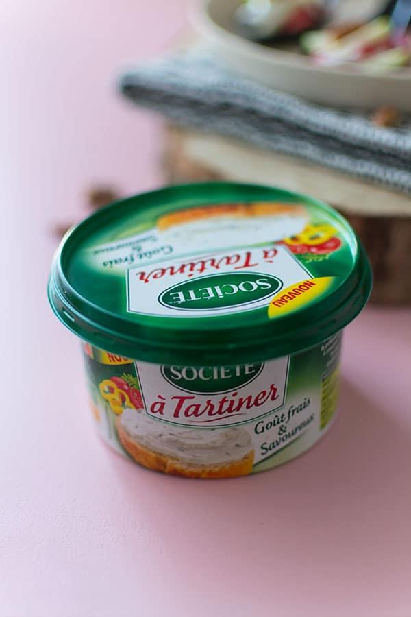Recette de Cuillères apéritives bœuf, roquefort, pomme et noix, recette facile avec Société à tartiner !