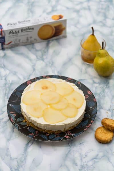 Recette de Cheesecake sans cuisson, citron, poires pochées, palets bretons