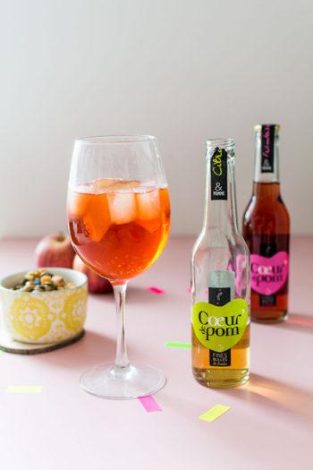 Recette de Spritz Cœur de Pom', un Spritz au cidre et à la pomme très savoureux qui change du cocktail habituel. A consommer avec modération.