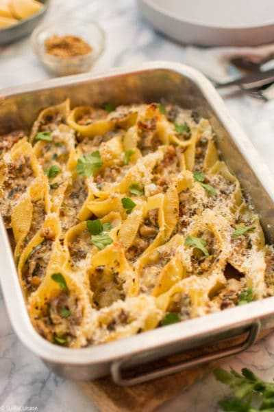 Recette de Conchiglie farcis aux légumes, pignons, moutarde à l'ancienne. Recette facile de conchiglie végétariens, repas du soir délicieux !