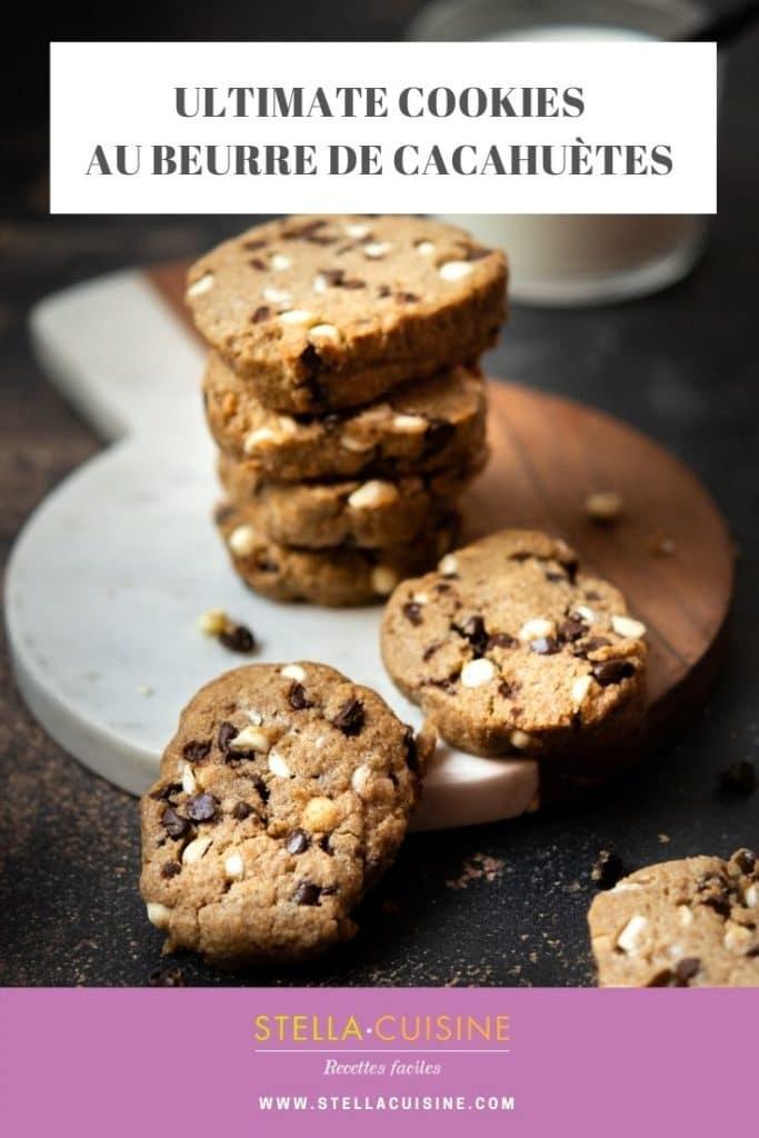 Recette d'Ultimate Cookies, au beurre de cacahuètes. Recette facile et ultime de cookies fondants, chewy cookies aux pépites de chocolat. Beurre noisette et beurre de cacahuètes pour des cookies fondants au goût torréfié !