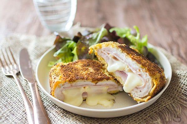 Recette de Cordons bleus de dinde et reblochon maison, avec les produits Le Gaulois ! Une recette facile et rapide.