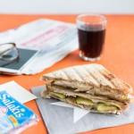 Recette de Croque-monsieur au poulet, courgettes et fromage Salakis