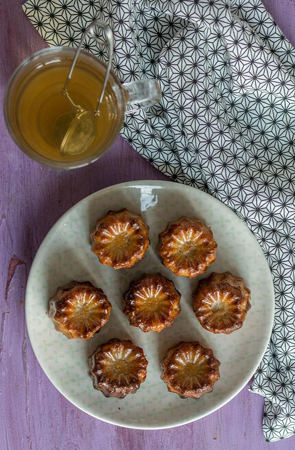 Recette de cannelés bordelais faciles , recette de canelés de bordeaux faciles à faire avec un moule en silicone.