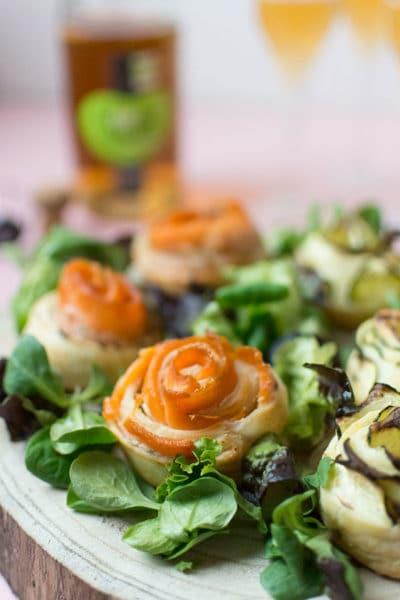 Recette de Fleurs feuilletées saumon, courgettes, fromage frais