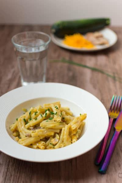 Recette de Macaronis au fromage, poulet et courgettes (recette Cookeo)