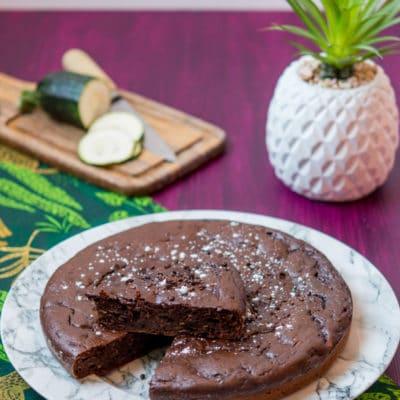 Recette de gâteau au chocolat et à la courgette, sans beurre et très peu sucré. Idéal pour faire manger des légumes aux enfants !