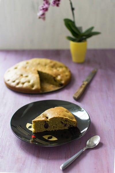 Recette de Gâteau moelleux au thé vert matcha et cerises griottes