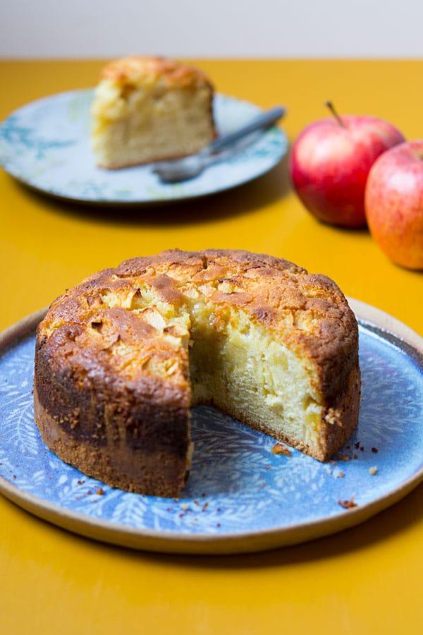 Recette de Gâteau moelleux aux pommes et à la crème d'amandes (recette avec ou sans Companion)
