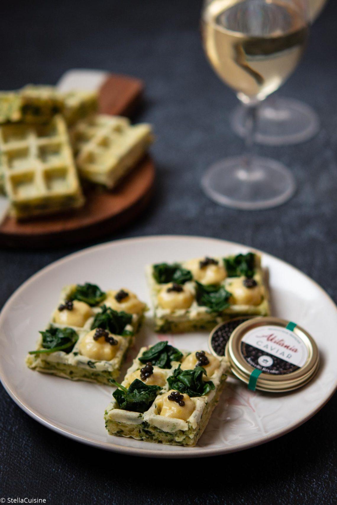 Recette de Gaufres épinards, pommes de terre, caviar Akitania. Un caviar français venant d'Aquitaine, idéal pour les fêtes de fin d'année !