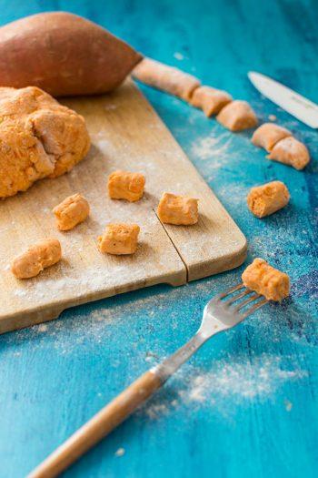 Recette de Gnocchis de patate douce, recette facile de gnocchis de patate douce, recette simple et rapide pour faire des gnocchis !