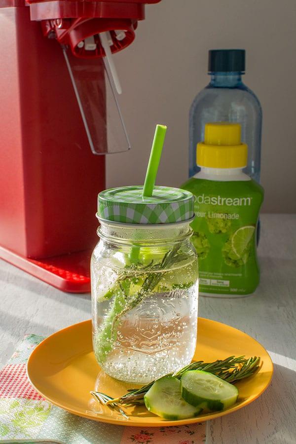 Recette de Limonade concombre et romarin (Sodastream), recette facile de limonade rafraîchissante pour l'été !