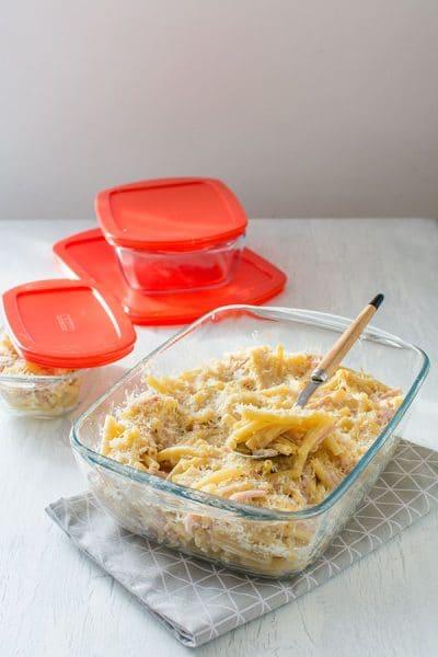 Recette de Macaronis au fromage (Mac'n'cheese), avec les plats Cook & Store de Pyrex. Recette facile, gourmande et régressive.