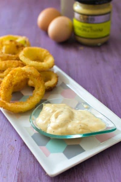 Recette de Mayonnaise maison, recette facile de mayonnaise, customisable selon les goûts ! Mayonnaise facile et rapide !