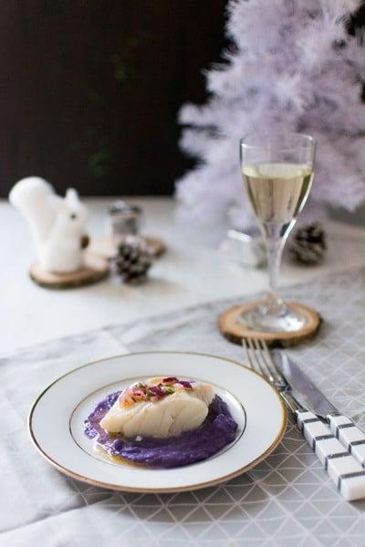 Recette de Noël : Cabillaud poché à la citronelle, sauce vierge et purée de vitelottes