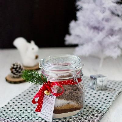 Recette de Noël : Cadeau gourmand : brownie en bocal {DIY}, cadeau gourmand à offrir et réaliser soi même !