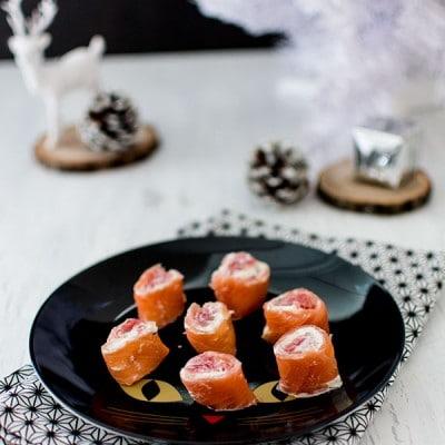 Recette de Noël : Roulés de saumon fumé au fromage frais et pamplemousse rose