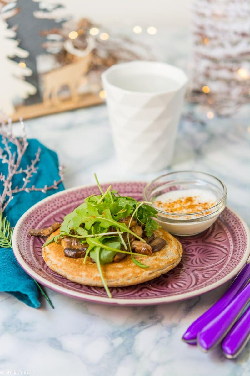 Noël végétarien : Blini de sarrasin, champignons, crème aigre (sans gluten)