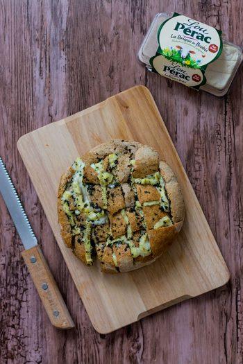 Recette de Pain hérisson au Lou Pérac (pull apart bread), recette facile et rapide pour l'apéritif entre amis. Convivial et gourmand !