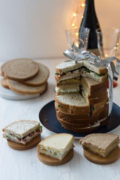 Recette de Pain surprise végétarien et hyper rapide avec les pains grands toasts de Jacquet.