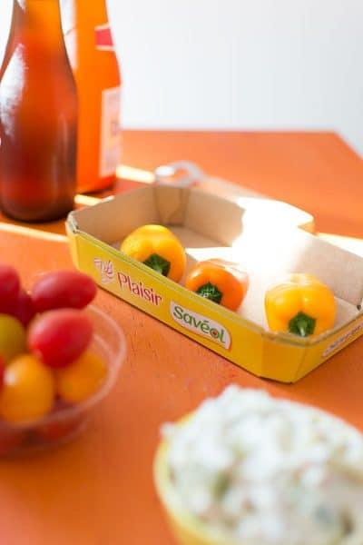 Recette de Mini poivrons farcis au fromage frais, concombre et poulet avec les produits Sa veol, idéal pour un apéritif sain et savoureux.