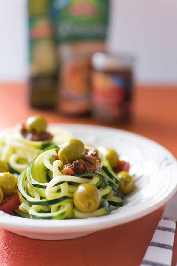 Spaghettis de courgettes aux olives Tramier