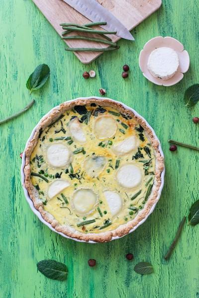 Recette de Quiche aux légumes verts et fromage de chèvre (pâte sablée à la noisette)