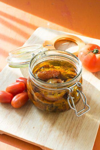 Recette de Tomates séchées en bocal (maison), recette de bocal avec Hutchinson, recette facile de tomates confites au four !