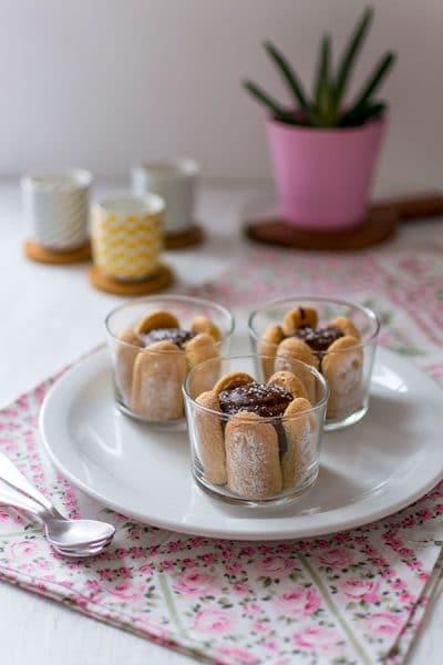 Recette de Verrines chocolat, cœur coco et biscuits cuillère {Concours avec Netto}. Recette de dessert facile et rapide avec mousse au chocolat façon Julie Andrieu.