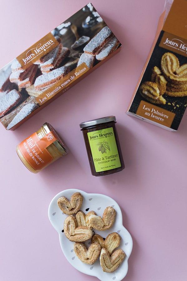 Recette de Verrines aux biscuits roses de reims, fromage blanc, framboises et miel avec les produits Jours Heureux